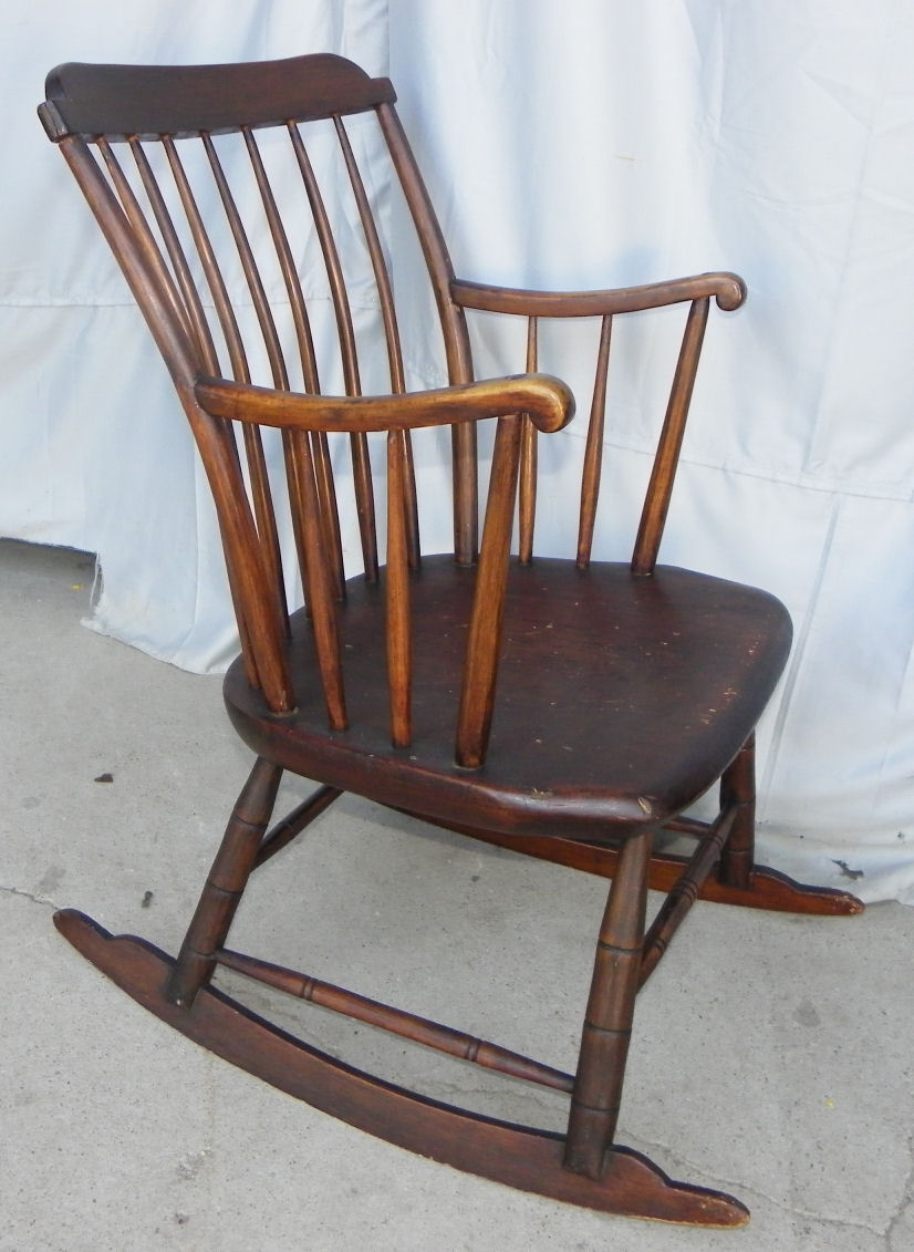Etonnant Rocking Chair Antique Styles Image And Candle Victimist