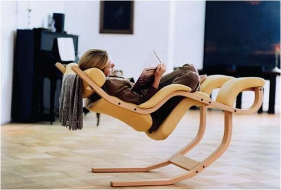 ergonomic reading chair
