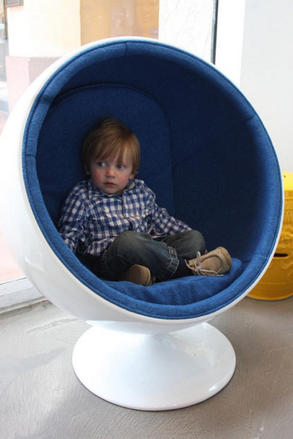 kid room chair