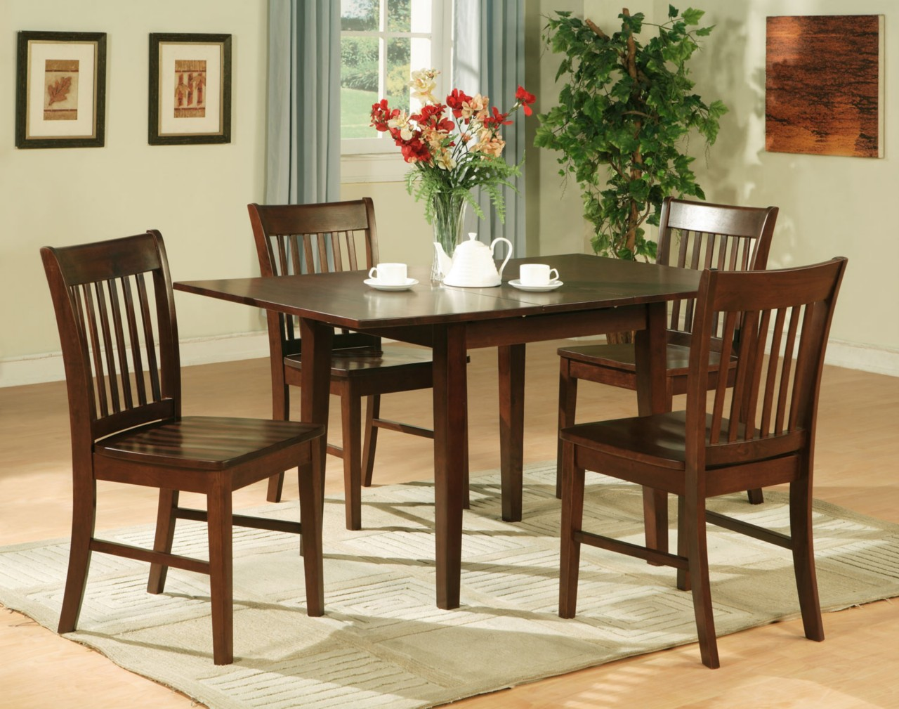 kitchen table and chair sets o