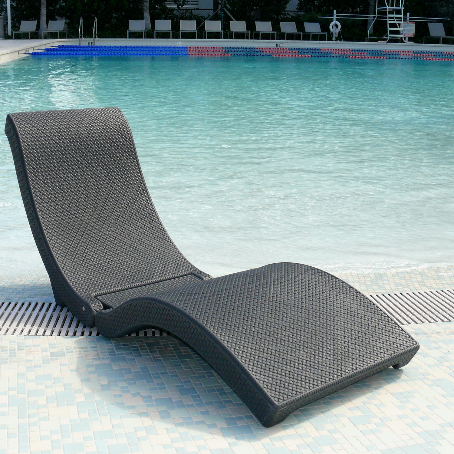 pool chair lounge
