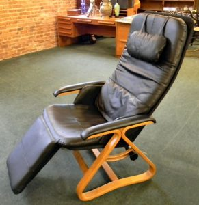 relax the back zero gravity chair l
