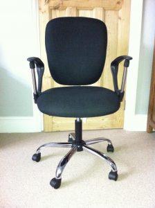 staple desk chair $